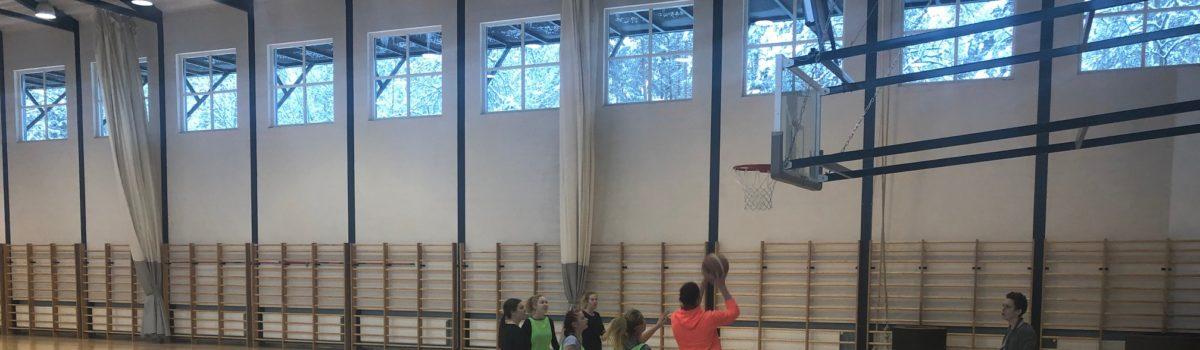 Klassidevaheline korvpallivõistlus
