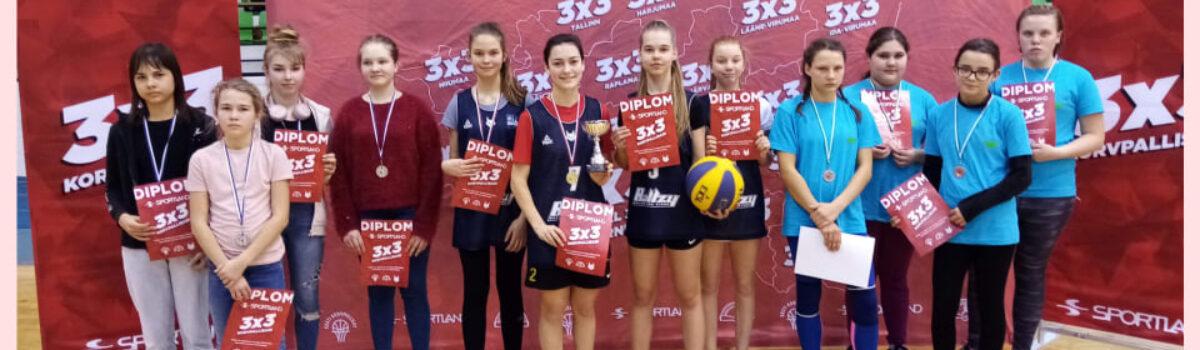 Otepää Gümnaasiumi 7. kl tüdrukud ja poisid maakonna parimad 3×3 korvpallis